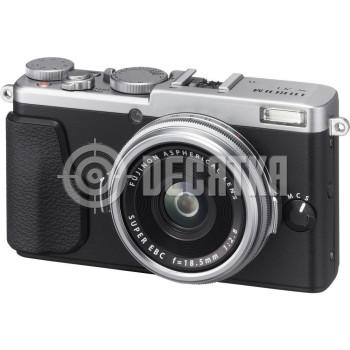 Компактный фотоаппарат Fujifilm FinePix X70 Silver