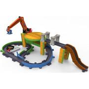 Детская железная дорога Tomy Грузовая станция с паровозиком Коко