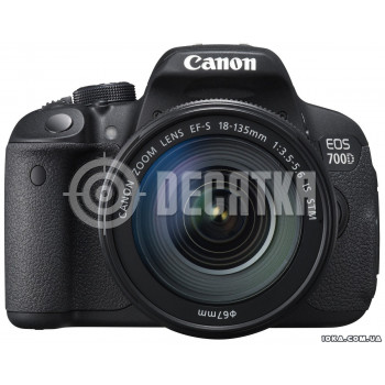 Зеркальный фотоаппарат Canon EOS 700D kit (18-135mm) EF-S IS STM