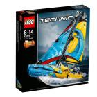Классический конструктор LEGO Technic Гоночная яхта